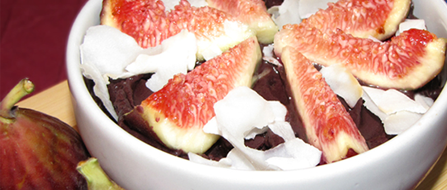 Açaí Bowl with Figs and Coconut Flakes recipe