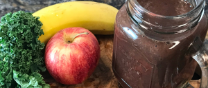 Açaí Apple Banana Kale Smoothie with ingredients